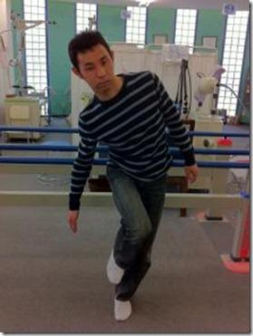 股関節痛み原因治療 片脚立位崩
