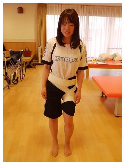 左股関節のテーピング3
