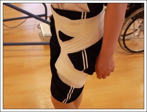 左股関節のテーピング2