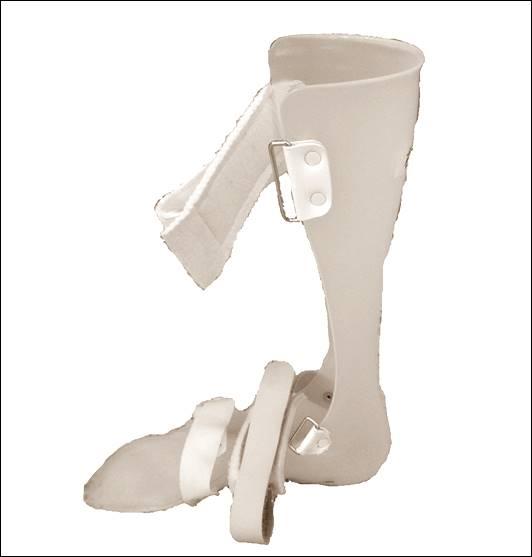 シューホーンブレイス短下肢装具1